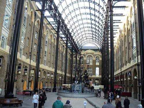 Hays Galleria Shops And Restaurants London Visitors