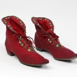 Boots_worn_by_Henry_Irving_in_Richard_III_1877_c_Victoria_and_Albert_Museum_London_jpg_180x180_crop_q85