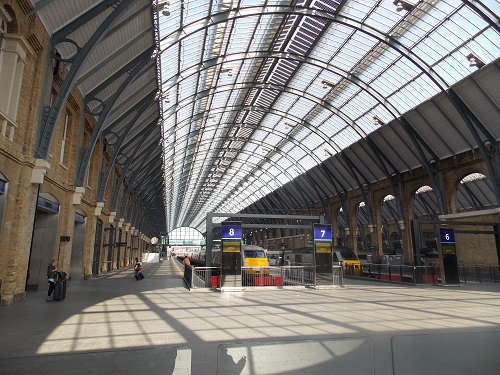 Kings cross station boudicca and harry potter london visitors - Kings cross ticket office opening times ...