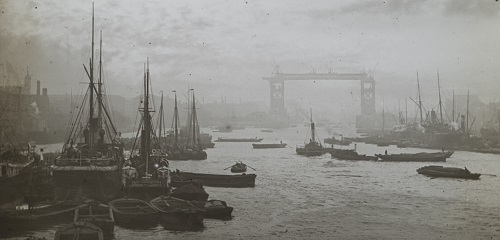 IN257 - Lower Pool, with Tower Bridge under construction- Magic