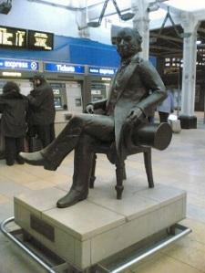 Statue_IKBrunel_PaddingtonStn_DMS_05122005-003-1