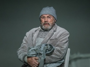 151110_0840 morgundab adj KLAUS MARIA BRANDAUER AS OLAI (C) ROH - PHOTO CLIVE BARDA