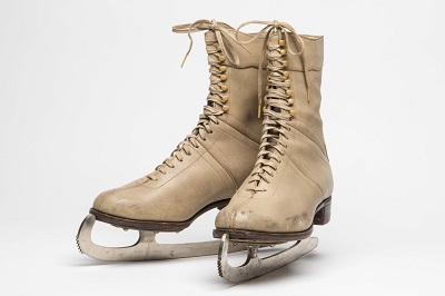 christina-greenberrys-ice-skates-from-the-late-1930s-c-museum-of-london